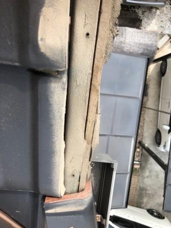 屋根瓦落下被害