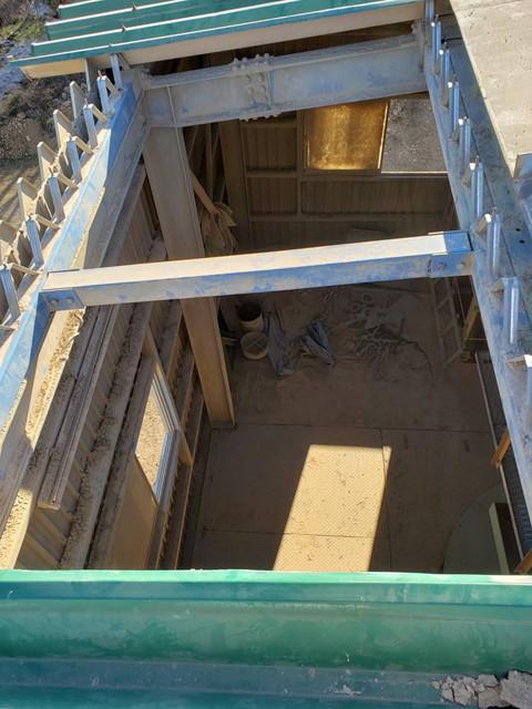 群馬県高崎市で雨漏りしている折板屋根の復旧工事を行いました。