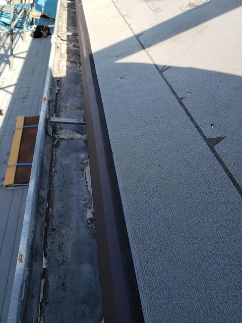 群馬県高崎市でガルバリウム鋼板を超えるジンカリウム鋼板ディプロマットで屋根葺き替え