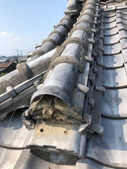 前橋市で鬼瓦の落ちた隅棟と大棟の漆喰を補修工事しました