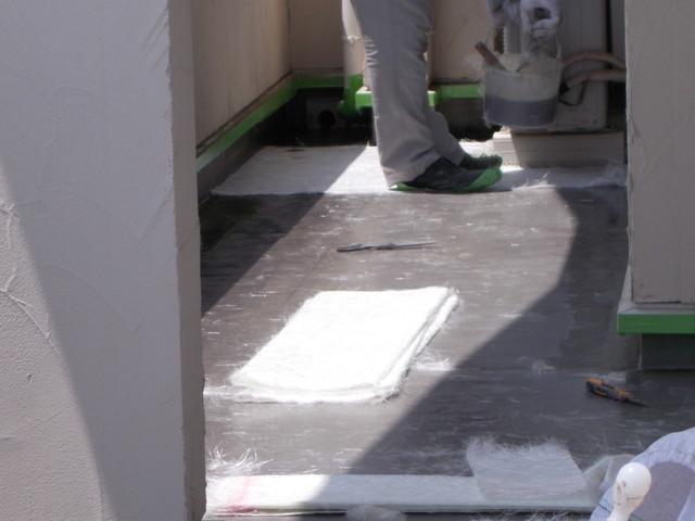 バルコニー雨漏り修理