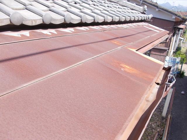 腰葺き屋根のカバー工法