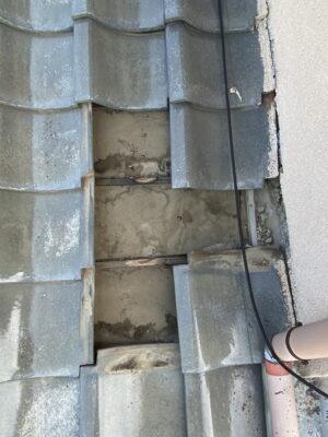 群馬県高崎市で屋根から雨漏りしているので、瓦の葺き戻しをしました(一部のため応急処置)