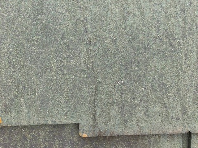 コロニアル屋根ひび割れ